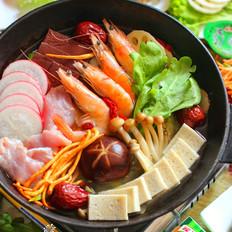 鸡汤菌菇火锅