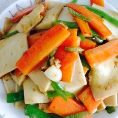 青椒胡萝卜炒千叶豆腐