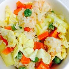 豌豆胡萝卜虾仁鸡蛋菠萝炒饭