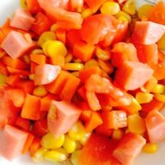 番茄胡萝卜火腿炒玉米