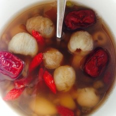 绿豆莲子百合红枣枸杞桂圆汤