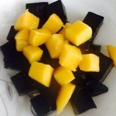 芒果黑凉粉