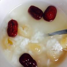 红枣桂圆煮米酒