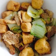 酸辣白菜猪肉炖油豆腐