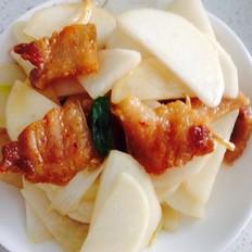 五花肉炒萝卜