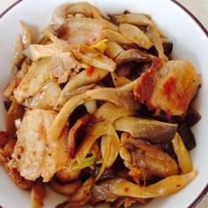 五花肉炒平菇的做法