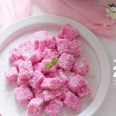 粉色豆浆椰蓉小方