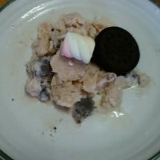 棉花糖草莓味奥利奥冰淇淋