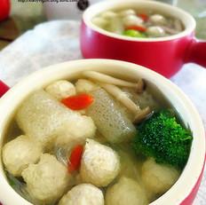 竹荪鸡脯肉丸汤