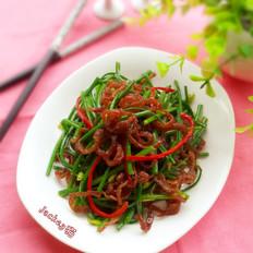 韭菜苔炒脆肠