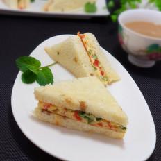 蔬菜鸡蛋三明治