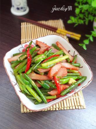 蒜苔炒猪颈肉的做法