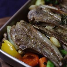迷迭香杂蔬烤法式羊排