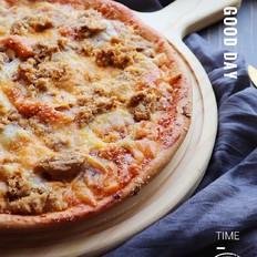 金枪鱼腊肠粗粮披萨