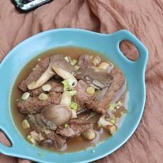 蘑菇炒牛肉