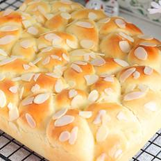 教你做奶香浓郁的杏仁奶酪排包,柔软细腻超级好吃,做法详细易学