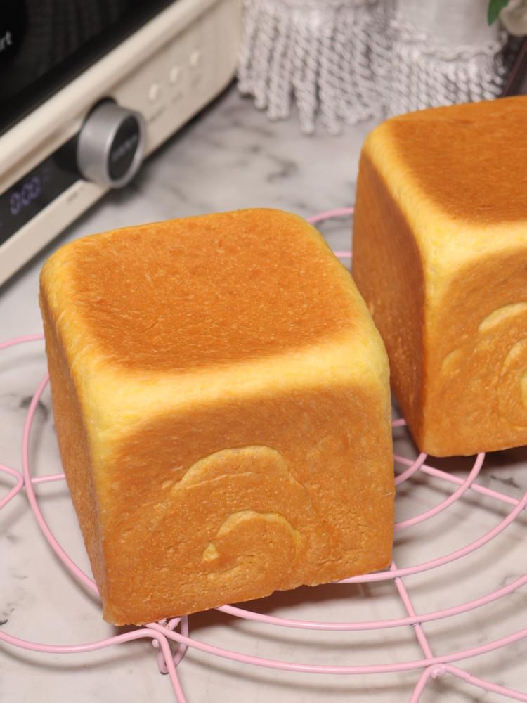 南瓜蛋黄吐司,步骤详细让你在家轻松做的做法