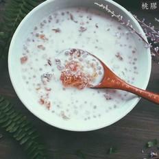 桃胶椰汁西米露