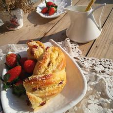 椰蓉蔓越莓花环面包