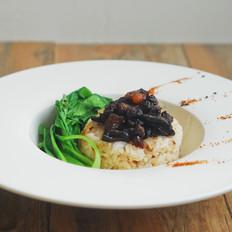 黑牛肝菌卤肉饭