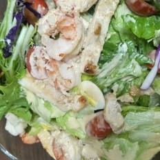 鸡肉大虾蔬菜沙拉+