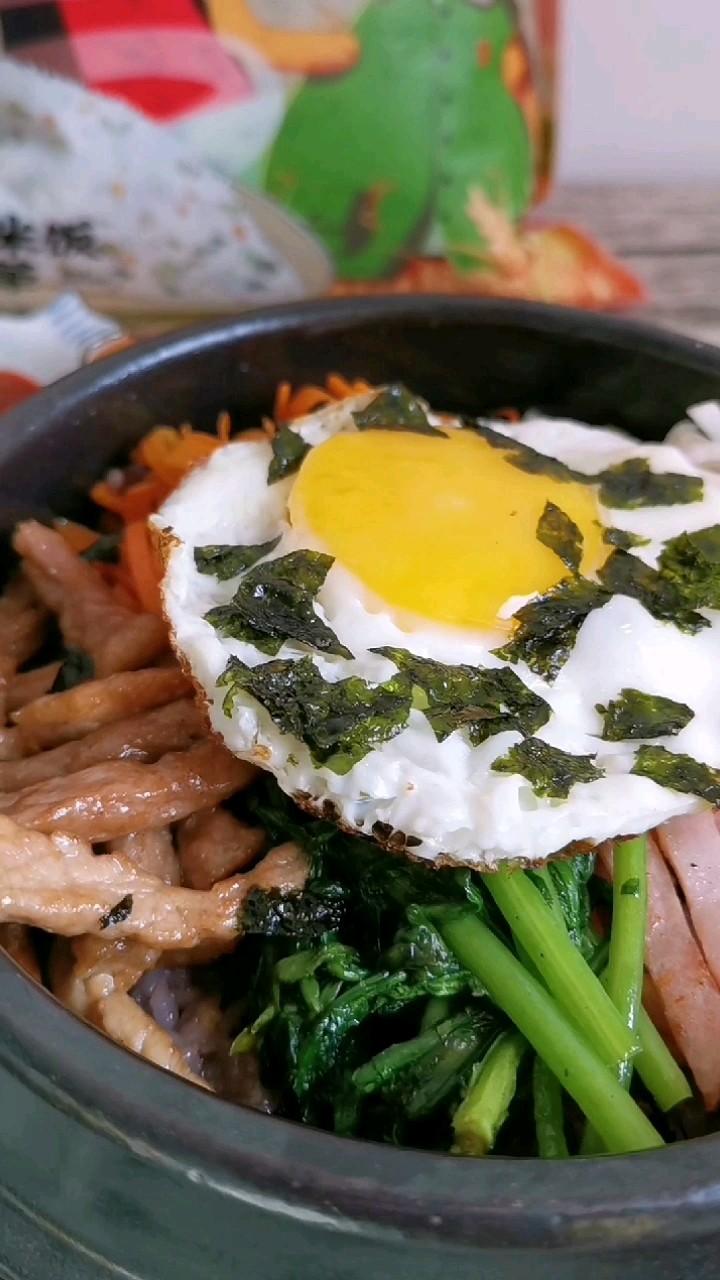 石锅拌多谷饭