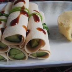 豆腐皮包黄瓜