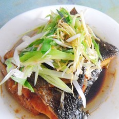 葱姜油泚咸鱼