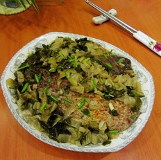 腌白菜烧鱼段