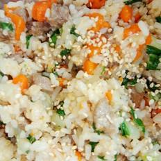 红萝卜牛肉丁炒饭