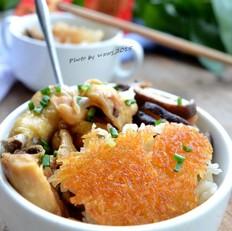 香菇鸡腿煲仔饭