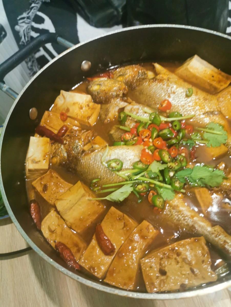 念念不忘必有回响的黄鱼炖豆腐
