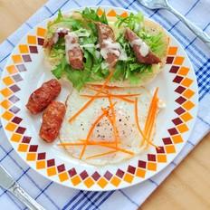 牛排煎蛋三明治