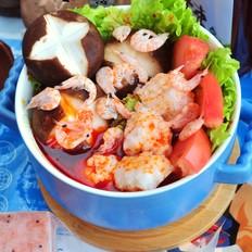 鳞虾丸子香菇火锅
