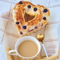 椰蓉蓝莓面包