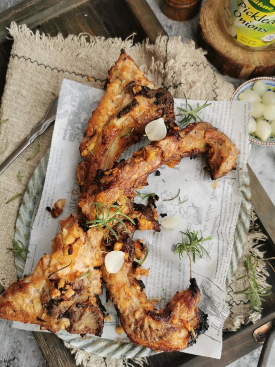鸡尾洋葱烤猪排