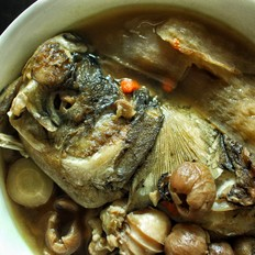 川穹白芷天麻鱼头汤