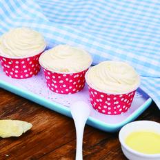 奶香浓郁的榴莲杯子蛋糕