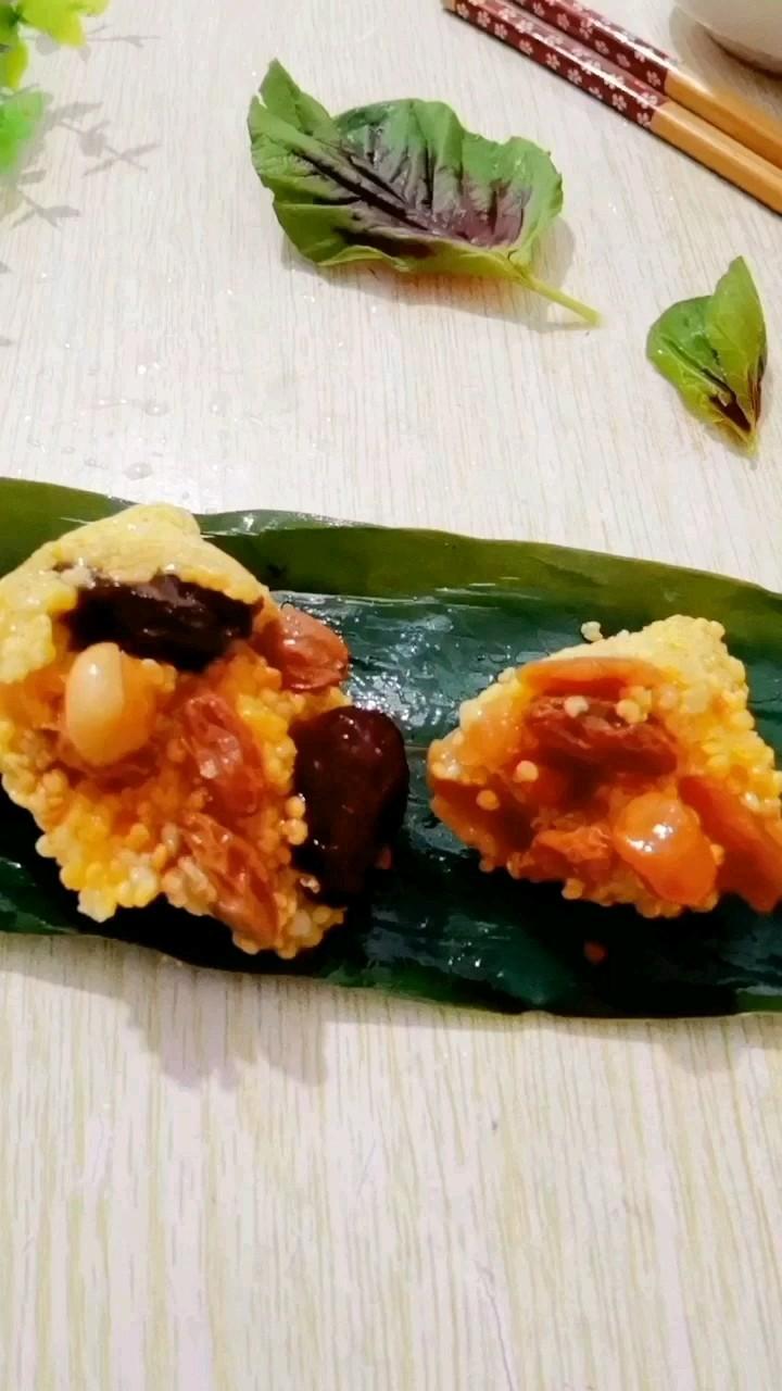 红枣花生葡萄干粽子