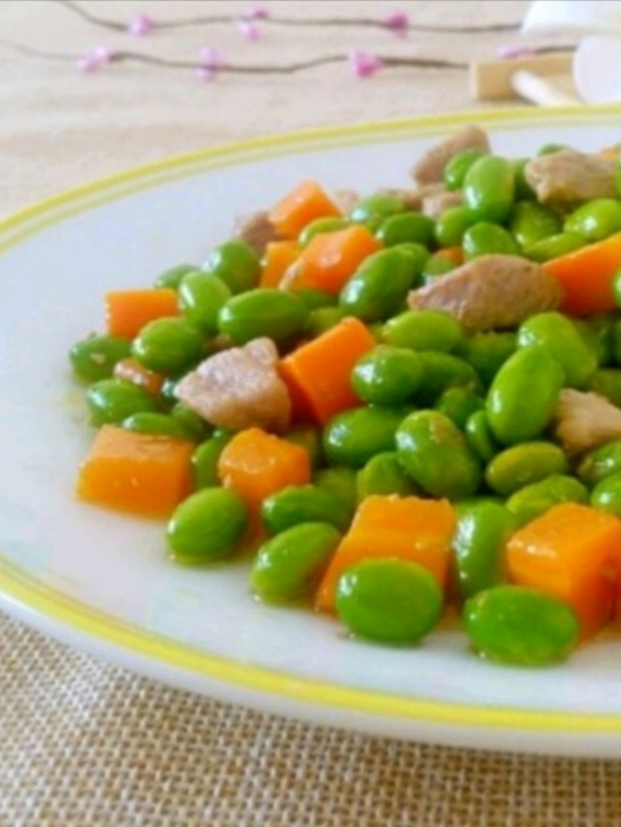 毛豆炒胡萝卜