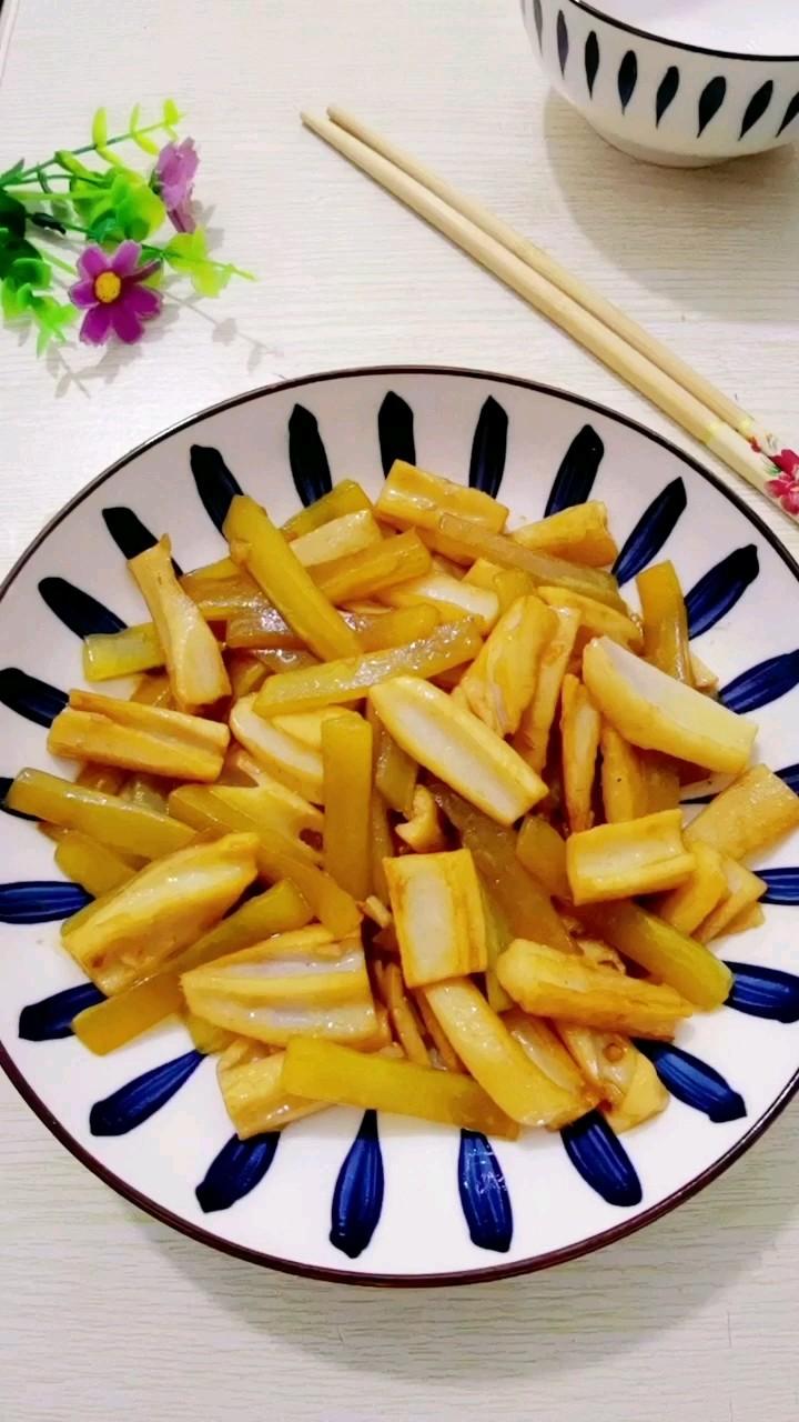青笋炒藕的做法