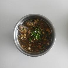 葱香泡椒鲫鱼