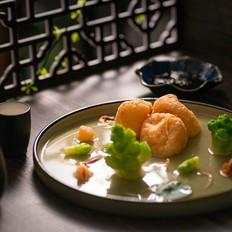 荷塘月色:上汤皱纱鱼腐
