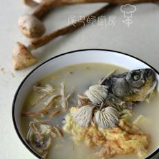斗鸡菇煲汤