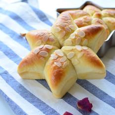 六角花朵绿豆沙餐包