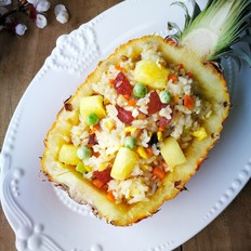 腊肠菠萝炒饭