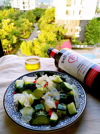 凉拌海蛰黄瓜的做法