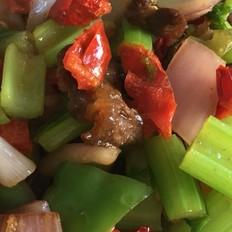 拌面菜-芹菜炒牛肉