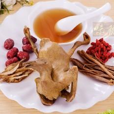 砂锅红枣炖全鸽