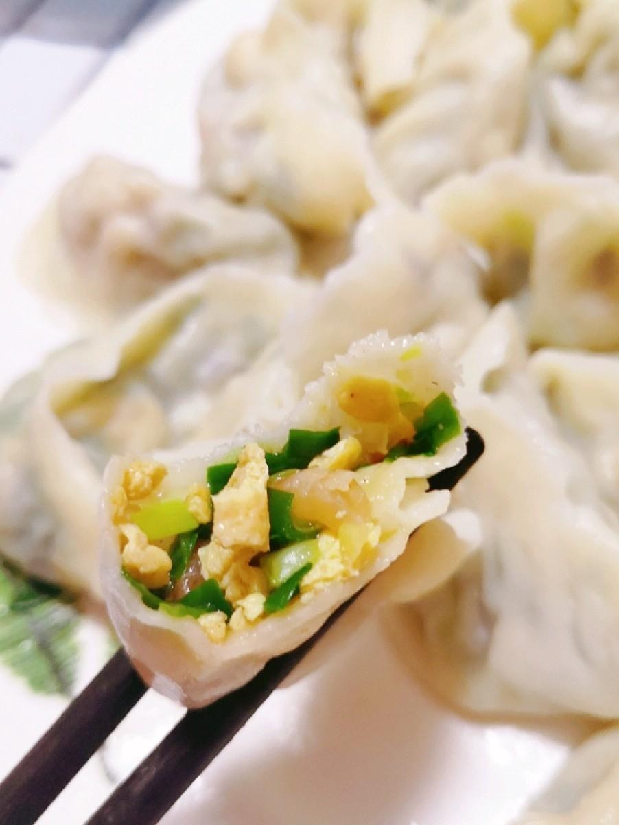 韭菜鸡蛋木耳虾仁饺子